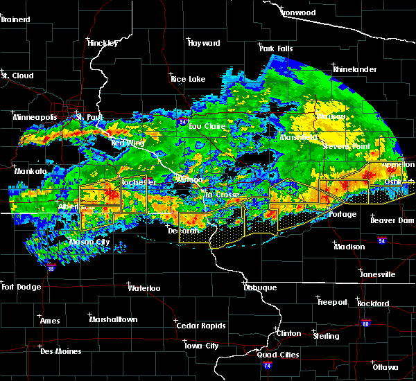 Radar Image for Severe Thunderstorms near Charles City, IA at 6/2/2020 7:58 PM CDT