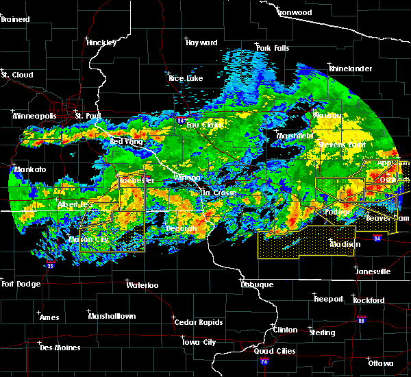 Radar Image for Severe Thunderstorms near Hokah, MN at 6/2/2020 8:21 PM CDT