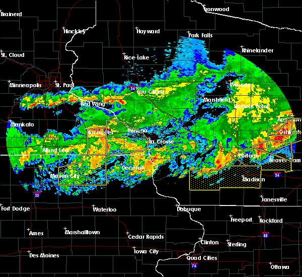 Radar Image for Severe Thunderstorms near Charles City, IA at 6/2/2020 8:25 PM CDT
