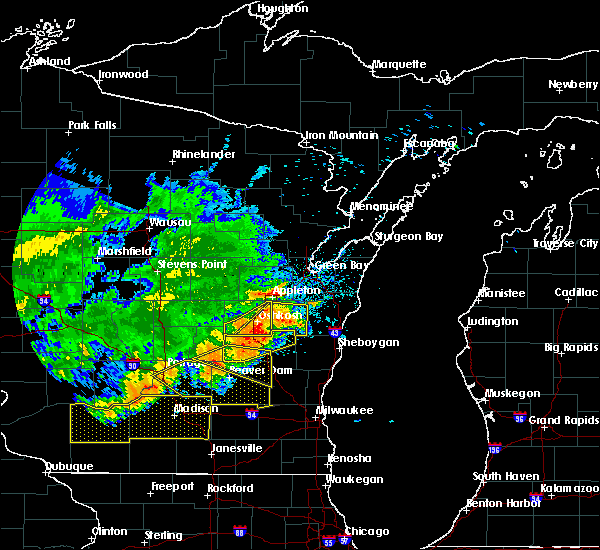 Radar Image for Severe Thunderstorms near Van Dyne, WI at 6/2/2020 8:30 PM CDT