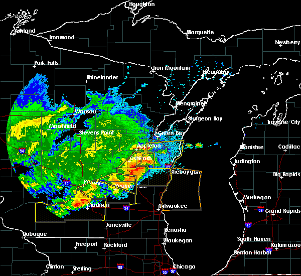 Radar Image for Severe Thunderstorms near Hobart, WI at 6/2/2020 8:40 PM CDT