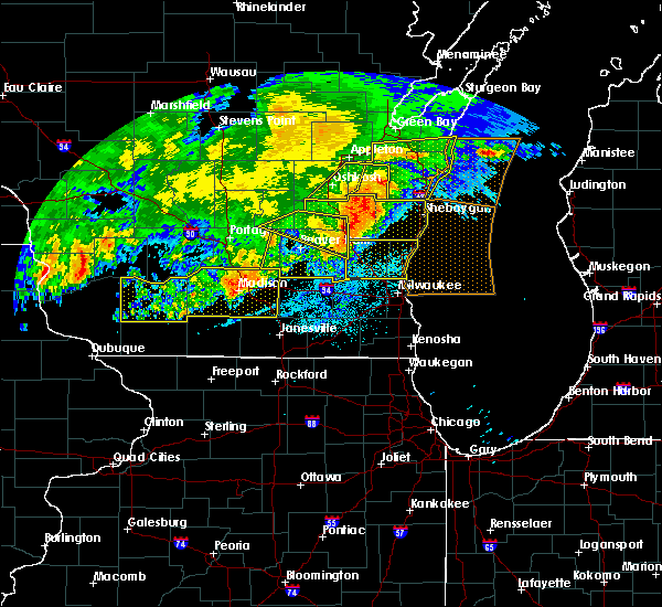 Radar Image for Severe Thunderstorms near Madison, WI at 6/2/2020 8:56 PM CDT