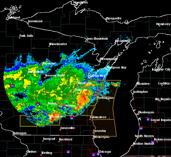 Radar Image for Severe Thunderstorms near Reedsville, WI at 6/2/2020 9:00 PM CDT