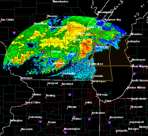 Radar Image for Severe Thunderstorms near Fredonia, WI at 6/2/2020 9:12 PM CDT