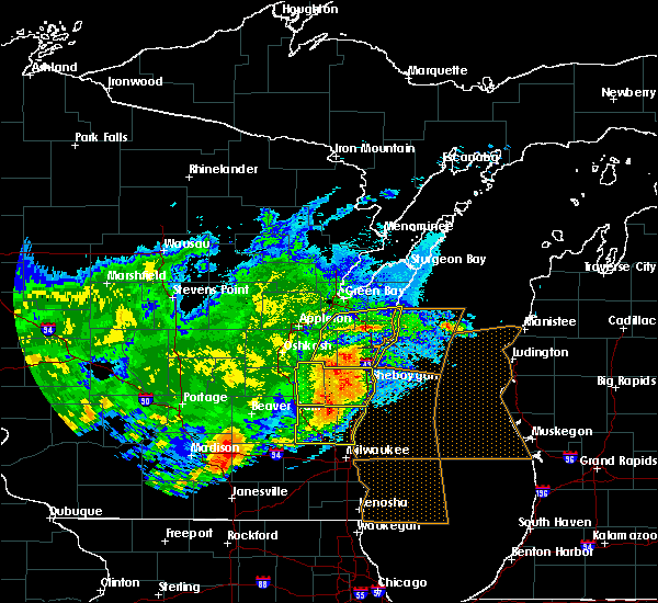 Radar Image for Severe Thunderstorms near Reedsville, WI at 6/2/2020 9:16 PM CDT