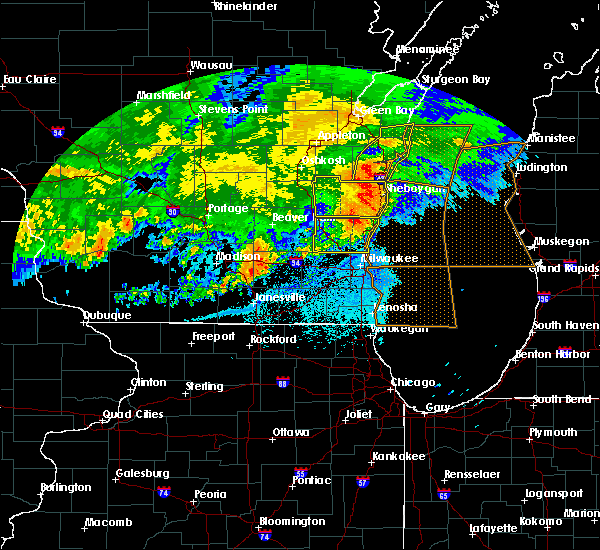 Radar Image for Severe Thunderstorms near Fredonia, WI at 6/2/2020 9:23 PM CDT
