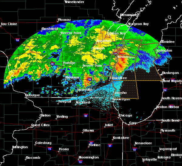 Radar Image for Severe Thunderstorms near Fredonia, WI at 6/2/2020 9:40 PM CDT