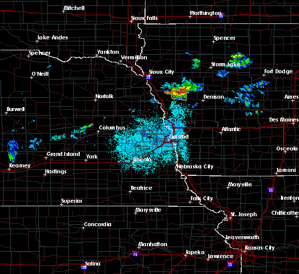 Radar Image for Severe Thunderstorms near Ricketts, IA at 6/2/2020 9:50 PM CDT