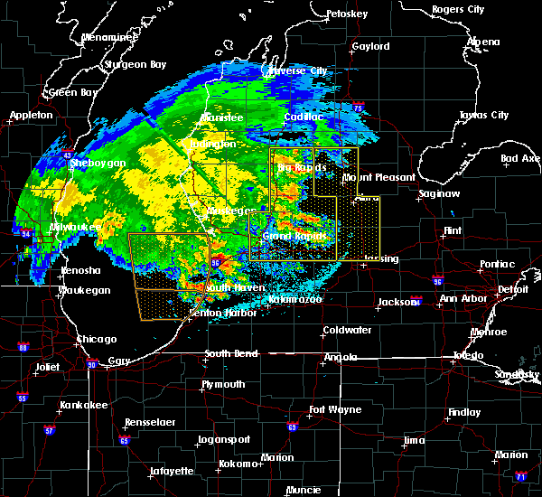 Radar Image for Severe Thunderstorms near Canadian Lakes, MI at 6/3/2020 1:01 AM EDT
