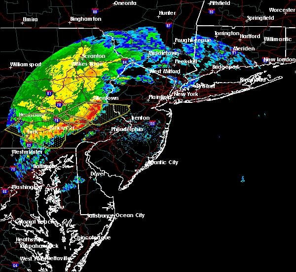 Radar Image for Severe Thunderstorms near Yardley, PA at 6/3/2020 12:02 PM EDT