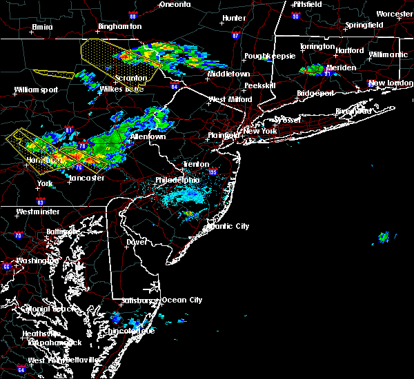 Radar Image for Severe Thunderstorms near Fivepointville, PA at 6/3/2020 6:15 PM EDT