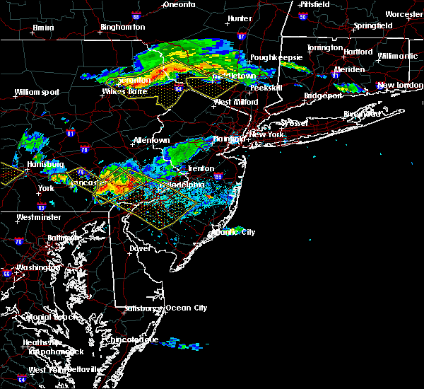 Radar Image for Severe Thunderstorms near Fivepointville, PA at 6/3/2020 7:09 PM EDT