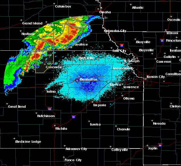 Radar Image for Severe Thunderstorms near Oketo, KS at 6/3/2020 11:06 PM CDT