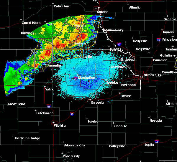 Radar Image for Severe Thunderstorms near Oketo, KS at 6/3/2020 11:31 PM CDT