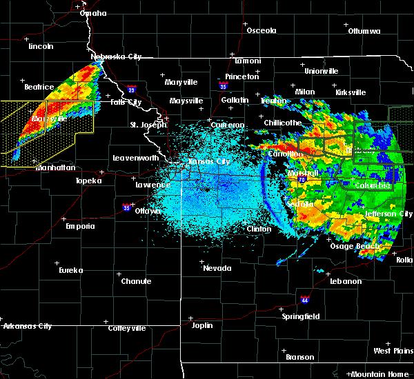 Radar Image for Severe Thunderstorms near Carrollton, MO at 6/4/2020 12:11 AM CDT
