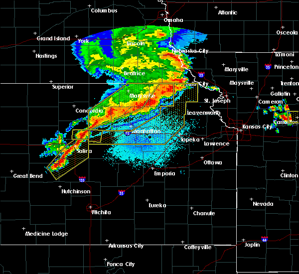 Radar Image for Severe Thunderstorms near Hoyt, KS at 6/4/2020 12:34 AM CDT