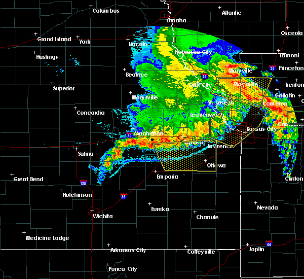 Radar Image for Severe Thunderstorms near Overbrook, KS at 6/4/2020 1:44 AM CDT