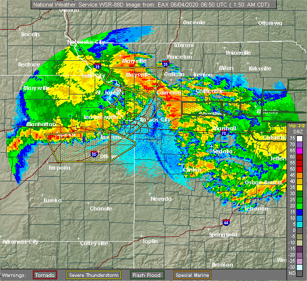 Radar Image for Severe Thunderstorms near Henrietta, MO at 6/4/2020 1:55 AM CDT