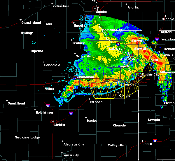 Radar Image for Severe Thunderstorms near Overbrook, KS at 6/4/2020 1:56 AM CDT