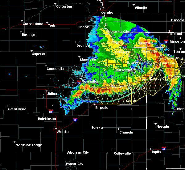 Radar Image for Severe Thunderstorms near Overbrook, KS at 6/4/2020 2:04 AM CDT