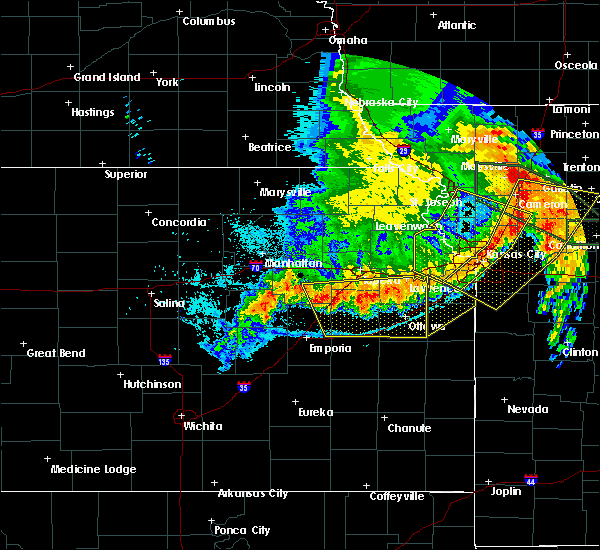 Radar Image for Severe Thunderstorms near Overbrook, KS at 6/4/2020 2:07 AM CDT