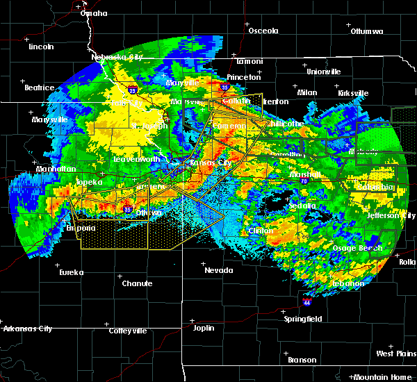 Radar Image for Severe Thunderstorms near Henrietta, MO at 6/4/2020 2:29 AM CDT