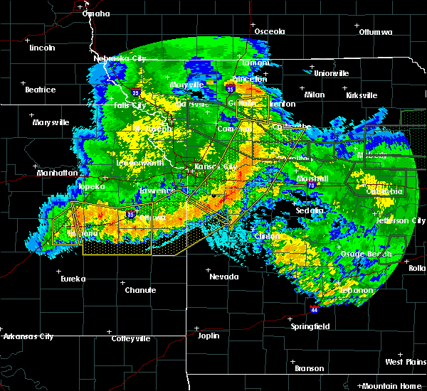 Radar Image for Severe Thunderstorms near Hume, MO at 6/4/2020 2:58 AM CDT