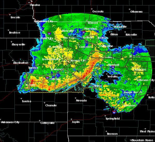Radar Image for Severe Thunderstorms near Clinton, MO at 6/4/2020 3:09 AM CDT