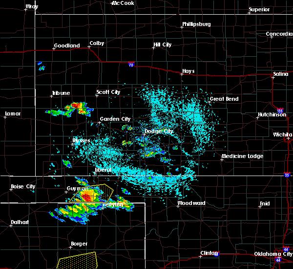 Radar Image for Severe Thunderstorms near Hardesty, OK at 6/4/2020 3:28 PM CDT