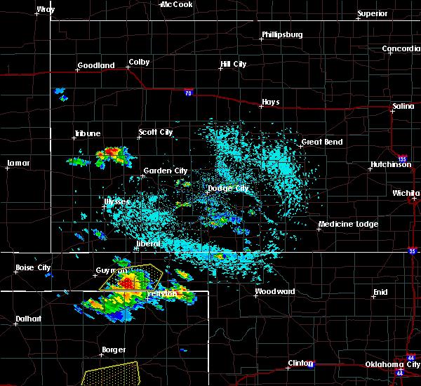 Radar Image for Severe Thunderstorms near Hardesty, OK at 6/4/2020 3:35 PM CDT