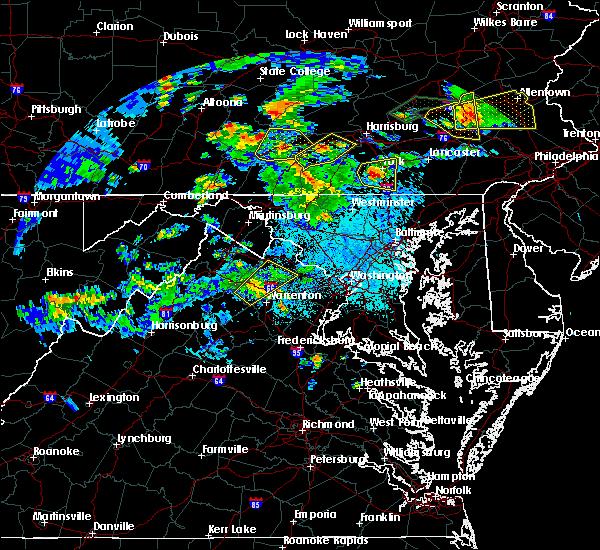 Radar Image for Severe Thunderstorms near Marshall, VA at 6/4/2020 6:54 PM EDT