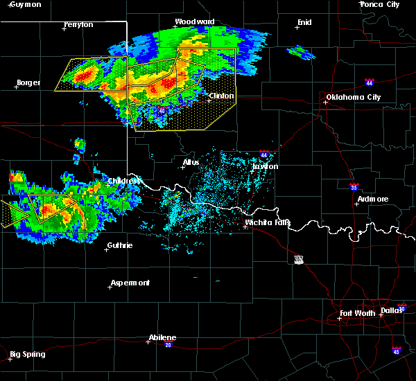 Radar Image for Severe Thunderstorms near Sayre, OK at 6/4/2020 6:12 PM CDT
