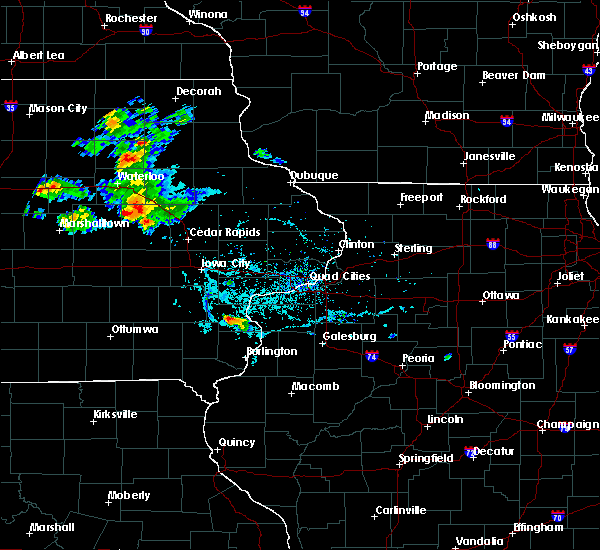 Radar Image for Severe Thunderstorms near Vinton, IA at 6/4/2020 6:38 PM CDT
