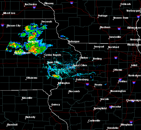 Radar Image for Severe Thunderstorms near Vinton, IA at 6/4/2020 6:45 PM CDT