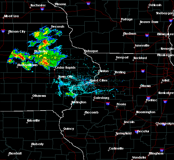 Radar Image for Severe Thunderstorms near Vinton, IA at 6/4/2020 6:54 PM CDT