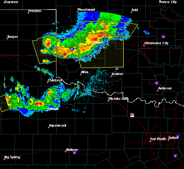 Radar Image for Severe Thunderstorms near Sayre, OK at 6/4/2020 7:01 PM CDT