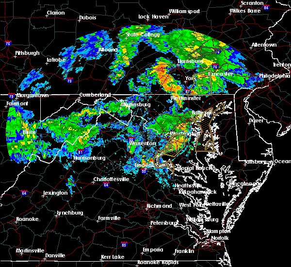 Radar Image for Severe Thunderstorms near Temple Hills, MD at 6/4/2020 8:40 PM EDT