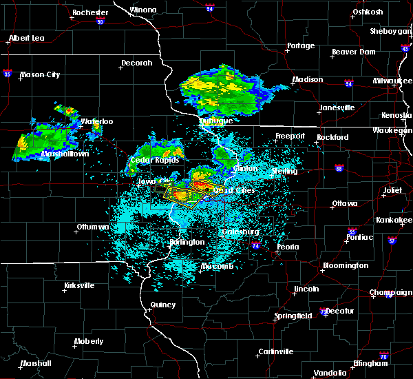 Radar Image for Severe Thunderstorms near Bettendorf, IA at 6/4/2020 9:59 PM CDT