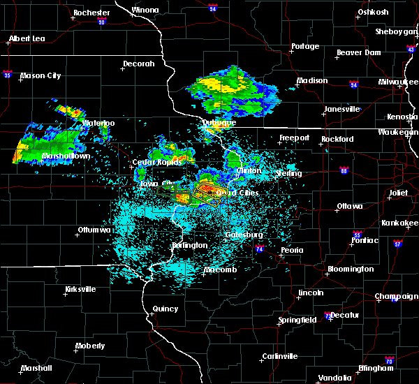 Radar Image for Severe Thunderstorms near Maysville, IA at 6/4/2020 10:06 PM CDT