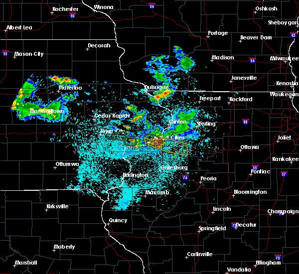 Radar Image for Severe Thunderstorms near Bettendorf, IA at 6/4/2020 10:39 PM CDT