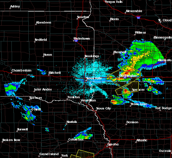 Radar Image for Severe Thunderstorms near Meriden, IA at 6/4/2020 11:40 PM CDT