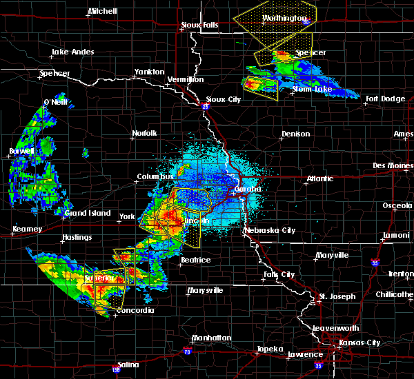 Radar Image for Severe Thunderstorms near Yutan, NE at 6/4/2020 11:41 PM CDT