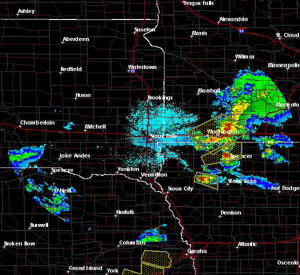 Radar Image for Severe Thunderstorms near Spencer, IA at 6/4/2020 11:48 PM CDT