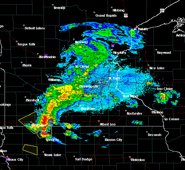 Radar Image for Severe Thunderstorms near Estherville, IA at 6/4/2020 11:53 PM CDT