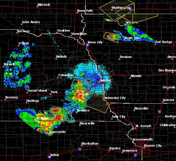Radar Image for Severe Thunderstorms near Lincoln, NE at 6/4/2020 11:57 PM CDT