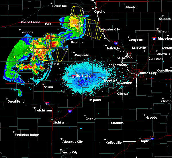 Radar Image for Severe Thunderstorms near Aurora, KS at 6/5/2020 12:02 AM CDT