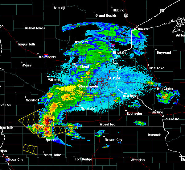 Radar Image for Severe Thunderstorms near Fairmont, MN at 6/5/2020 12:03 AM CDT