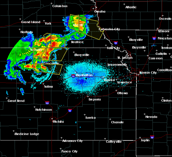 Radar Image for Severe Thunderstorms near Aurora, KS at 6/5/2020 12:14 AM CDT