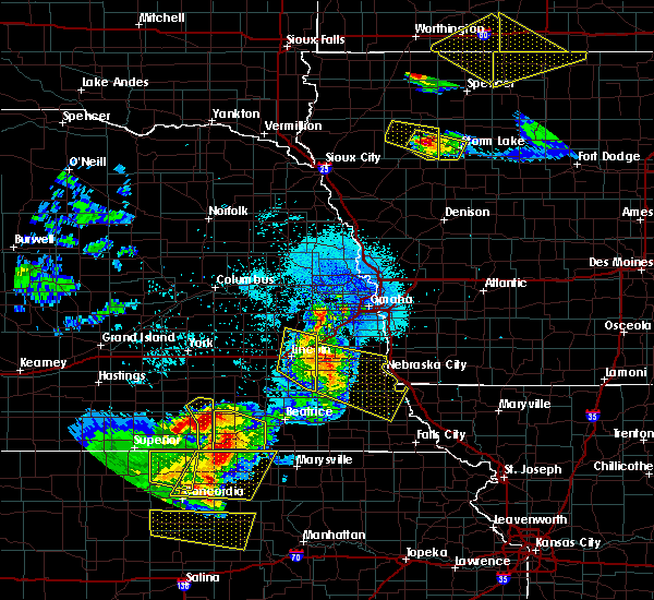Radar Image for Severe Thunderstorms near Syracuse, NE at 6/5/2020 12:15 AM CDT
