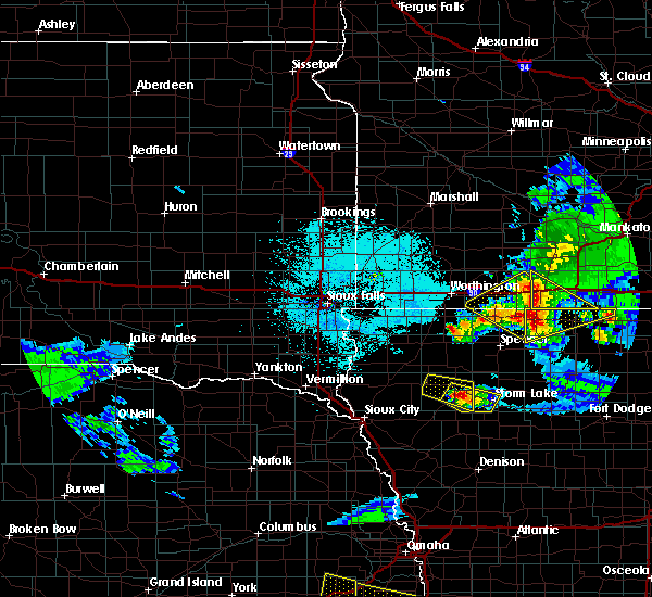 Radar Image for Severe Thunderstorms near Spencer, IA at 6/5/2020 12:18 AM CDT